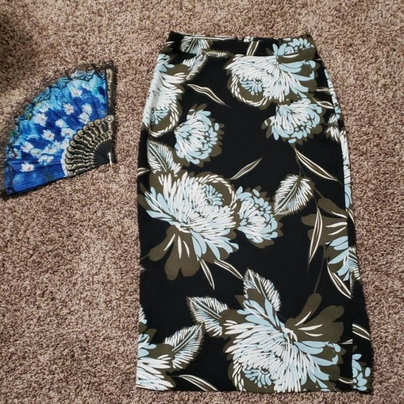 Who What Wear Dresses & Skirts - Who what wear floral pencil skirt